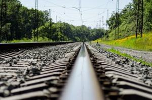 railway-track-3123311_640