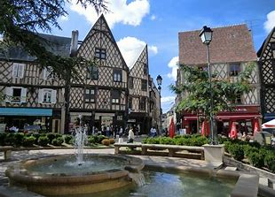 bourges 2.jpg